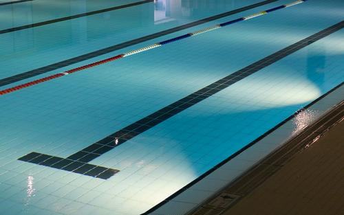 プールの画像